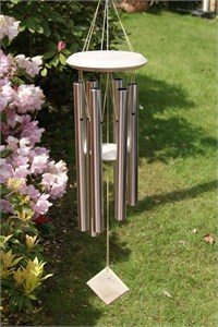 Woodstock Chimes of Pluto, silber und weiss