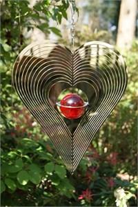 Herz Windspinner mit Roter Glaskugel